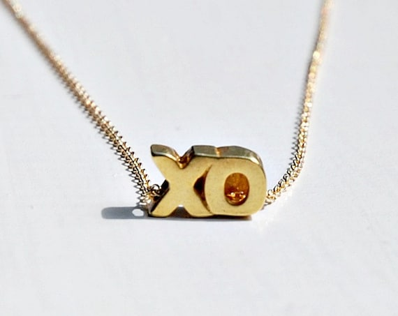 Hugs and kisses necklace in gold