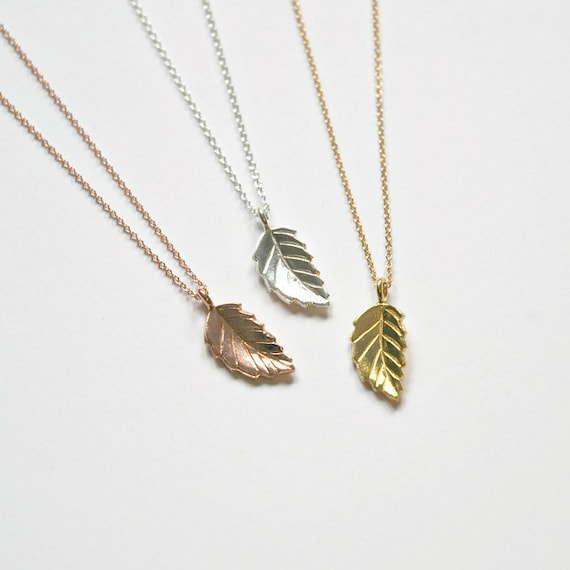 Leaf necklace in gold or silver