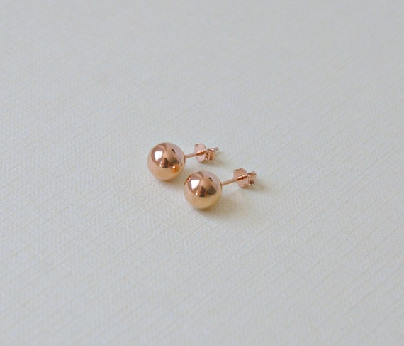 Ball stud earrings in yellow or rose gold - 8mm