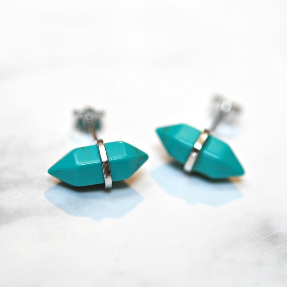 Gemstone earrings in black onyx or turquoise howlite