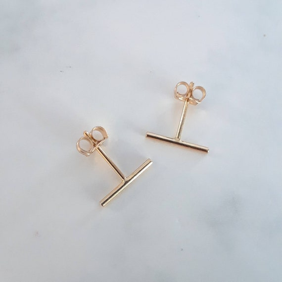 Gold bar stud earrings, thin gold earrings, gold staple, mini bar earrings, 10mm bar, minimalist studs, modern earrings, simple studs