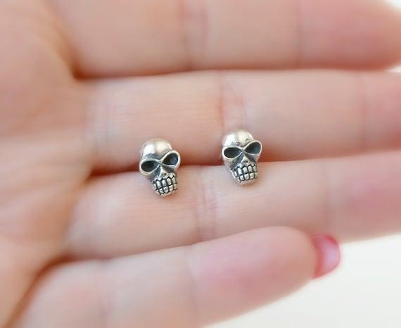 Sterling silver skull stud earrings, skull earrings, halloween earrings, skeleton earrings, baby skulls, tiny skull, little skulls