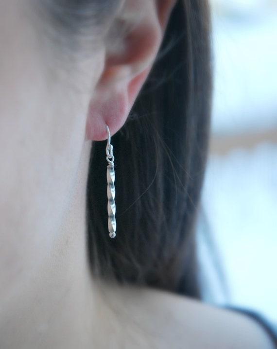 Bar earrings, gold bar earrings, long drop earrings, twisted bar, tube earrings, stick earrings, simple earrings, modern minimalist earrings