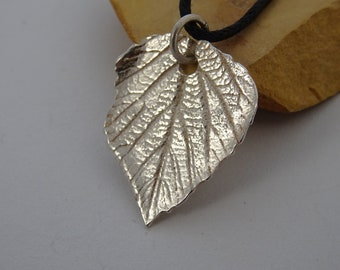 little fine silver leaf pendant
