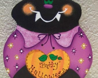 Batty Halloween Shelf Decoration