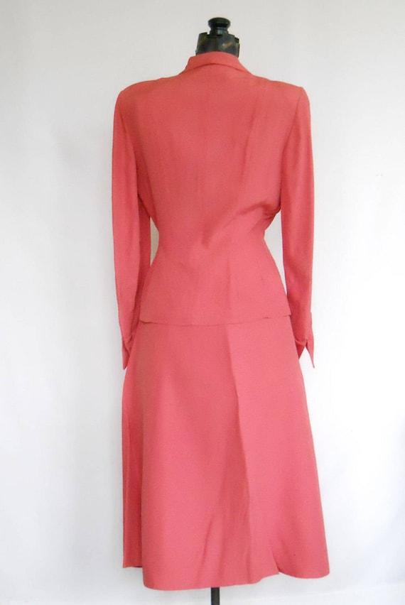 Authentic 1940s Ladies Rayon Suit Vintage Swansdo… - image 3