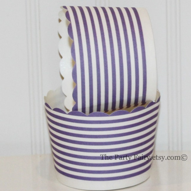 Cupcake Baking Cups, 20 Lilac Ring Stripe Cupcake Cups, Paper Candy Cups, Nut Cup, Party Snack Cup, Dessert Cups, Cupcake Liners, Muffin Cup