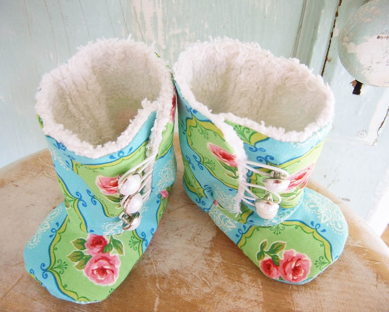 Baby Booties PDF sewing pattern for DIY baby shoes Sewing Pattern Button Boots DIY Baby Shoes. Baby Boots sewing pattern