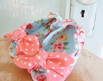 Baby Shoe Pattern.  Open Toe Knotted Baby Shoe Pattern. Size newborn to 2T. PDF Sewing Pattern