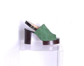 a913021e96 Vintage 1970s Shoes / 70s Deadstock Suede Platform Slingback Mules / Green  Black