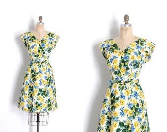 b5948df88b4 Vintage 1950s Dress   50s Alix of Miami Floral Print Cotton Dress   White  Blue Green ( medium M )