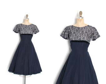 Vintage 1950s Dress / 50s Navy Blue Lace and Chiffon Party Dress / Full Skirt ( S M )