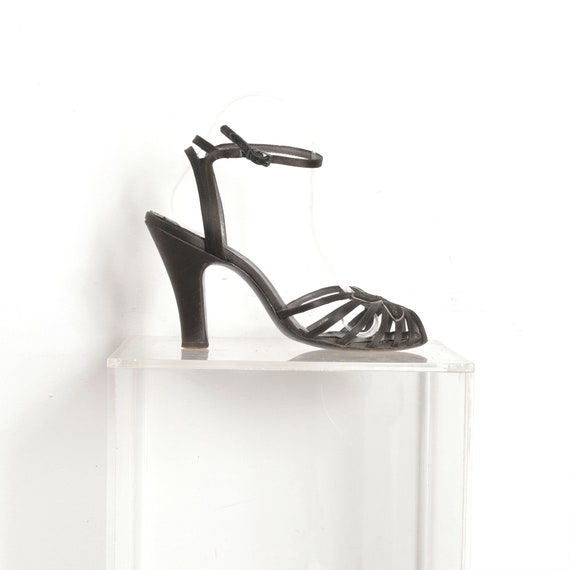 Vintage 1950s Shoes / 50s Floral Cage Heels / Blac