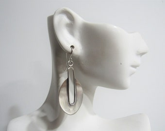 Light And Bold Earrings