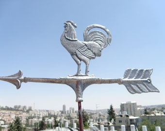Rooster shape weather vane made of cast aluminum