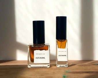 Vetiverte Cologne - all natural organic fragrance for men + women with cooling vetiver, white lotus, and tomato leaf