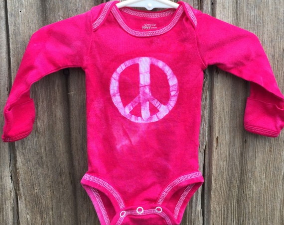 Peace Sign Baby Gift, Peace Sign Baby Bodysuit, Pink Peace Bodysuit, Baby Shower Gift, Pink Baby Girl Gift, Preemie Baby Bodysuit (Newborn)