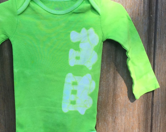 Train Baby Bodysuit, Green Train Bodysuit, Green Baby Bodysuit, Train Baby Gift, Baby Shower Gift, Baby Boy Gift (12 months) SALE