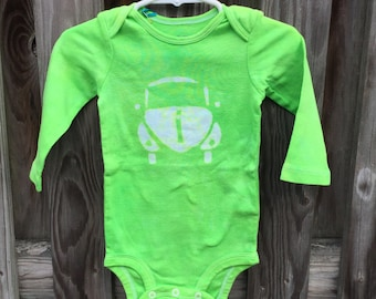 Car Baby Bodysuit, Baby Car Bodysuit, Green Car Bodysuit, Gender Neutral Baby Gift, Baby Shower Gift, Baby Boy, Baby Girl (12 months)