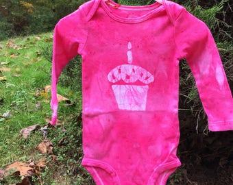 First Birthday Baby Bodysuit, Baby's First Birthday Shirt, Cupcake Baby Bodysuit, Girls First Birthday, Pink First Birthday (12 months)