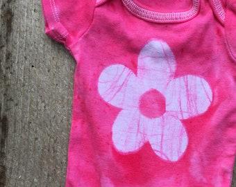 Newborn Girl Bodysuit, Pink Baby Bodysuit, Pink Baby Gift, Baby Shower Gift, Baby Girl Gift, Preemie Baby Gift, Flower Bodysuit (Newborn)