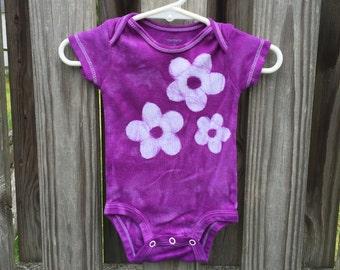 Purple Baby Bodysuit, Flower Baby Bodysuit, Purple Baby Gift, Baby Girl Gift, Baby Shower Gift, Purple Flower Baby Bodysuit (3 months)