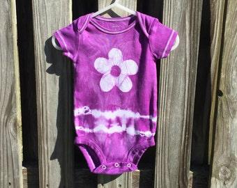 Tie Dye Baby Bodysuit, Purple Flower Baby Bodysuit, Purple Baby Gift, Baby Girl Gift, Purple Baby Shower Gift (6 months)