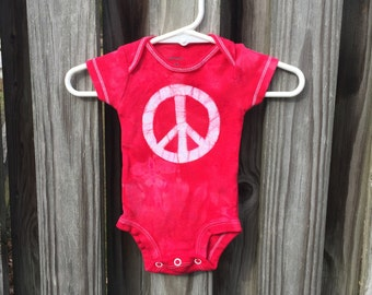 Peace Sign Baby Gift, Peace Sign Baby Bodysuit, Red Peace Bodysuit, Baby Shower Gift, Neutral Baby Gift, Preemie Baby Bodysuit (Newborn)