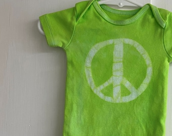 Peace Sign Baby Bodysuit, Baby Peace Sign, Peace Sign Baby Gift, Green Baby Gift, Gender Neutral Baby Gift, Peace Baby Clothes (3-6 months)
