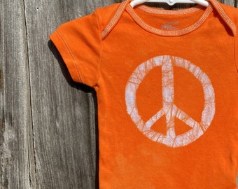Peace Sign Baby Bodysuit, Baby Peace Sign Bodysuit, Peace Sign Baby Gift, Baby Shower Gift, Gender Neutral Baby Gift (6-9 months)