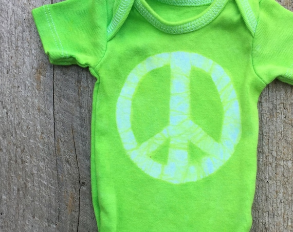 Preemie Baby Gift, Preemie Baby Peace Sign, Baby Going Home Outfit, Peace Sign Gift, Green Peace Bodysuit, Preemie Baby Bodysuit (Preemie)