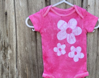 Pink Baby Bodysuit, Baby Girl Bodysuit, Flower Girl Bodysuit, Pink Flower Bodysuit, Pink Baby Gift, Baby Shower Gift (0-3 months)