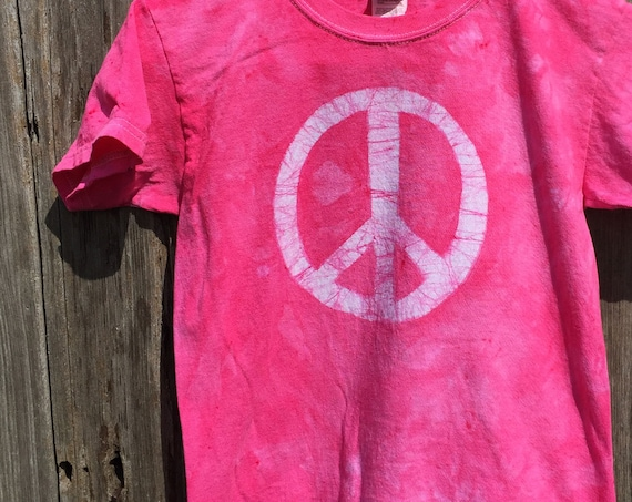 Kids Peace Sign Shirt, Pink Peace Sign Shirt,Pink Peace Shirt, Batik Kids Shirt, Batik Peace Sign Shirt, Peace Kids Shirt (6)