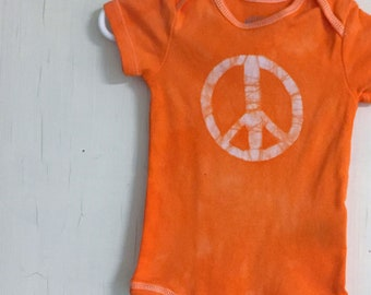 Peace Sign Baby Bodysuit, Baby Peace Sign Bodysuit, Peace Sign Baby Gift, Baby Shower Gift, Gender Neutral Baby Gift (3-6 months)