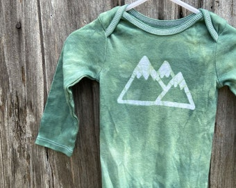 Mountain Baby Bodysuit, Mountain Baby Gift, Hiking Baby Gift, Hiker Baby Gift, Gender Neutral Baby Gift, Baby Shower Gift, Outdoorsy Baby
