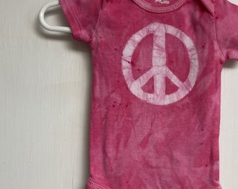 Peace Sign Baby Bodysuit, Pink Peace Sign, Peace Sign Baby Girl, Peace Baby Bodysuit, Pink Baby Gift, Baby Girl Gift (0-3 months)