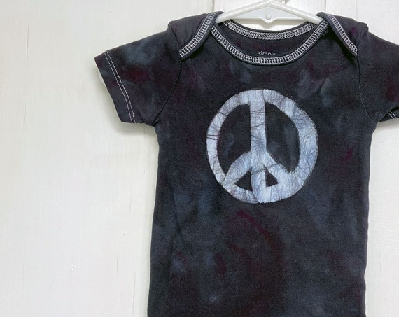 Peace Sign Baby Bodysuit, Baby Peace Sign Bodysuit, Peace Sign Baby Gift, Black Baby Gift, Gender Neutral Baby Gift (3-6 months)