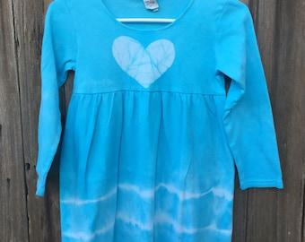Girls Tie Dye Dress, Blue Tie Dye Dress, Blue Girls Dress, Blue Heart Dress, Tie Dye Girls Dress, Valentine's Day Dress (8)