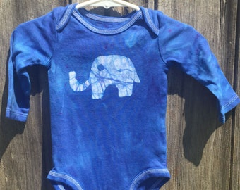 Elephant Baby Gift, Elephant Baby Bodysuit, Blue Elephant Bodysuit, Baby Shower Gift, Gender Neutral Baby Gift, Blue Baby Gift (3-6 months)