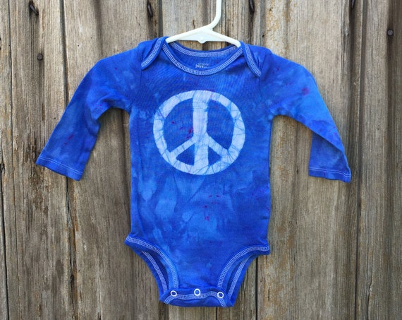 Peace Sign Bodysuit, Blue Peace Sign Baby Bodysuit, Peace Baby Gift, Blue Baby Gift, Neutral Baby Gift, Baby Shower Gift (3-6 months)