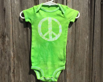 Peace Sign Baby Bodysuit, Baby Peace Sign Bodysuit, Peace Sign Baby Gift, Green Baby Gift, Gender Neutral Baby Gift (6-9 months)