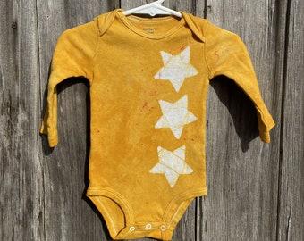 Star Baby Bodysuit, Yellow Star Baby Bodysuit, Yellow Baby Bodysuit, Gender Neutral Gift, Baby Shower Gift, Newborn Baby Gift (9 months)