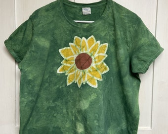 Sunflower Shirt, Sunflower Top, Ladies Sunflower T-Shirt, Womens Sunflower T-Shirt, Green Sunflower Shirt, Gift for Gardener (Ladies XL)