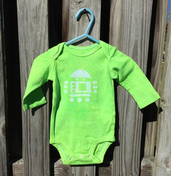 Robot Baby Gift, Robot Baby Shower Gift, Robot Baby Bodysuit, Green Baby Bodysuit, Green Baby Gift, Gender Neutral Baby Gift (6 months)