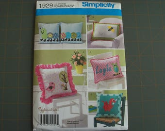 Simplicity 1929 Appliqued Pillow Sewing Pattern NEW