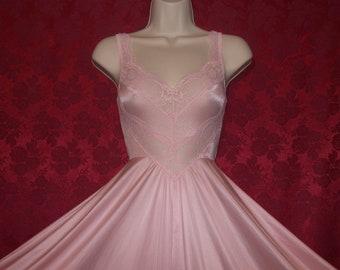 df386f042c Spectacular vintage OLGA peach bodysilk formfit chevron lace