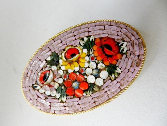 Vintage Italian 1950 - fabulous micro mosaic brooc