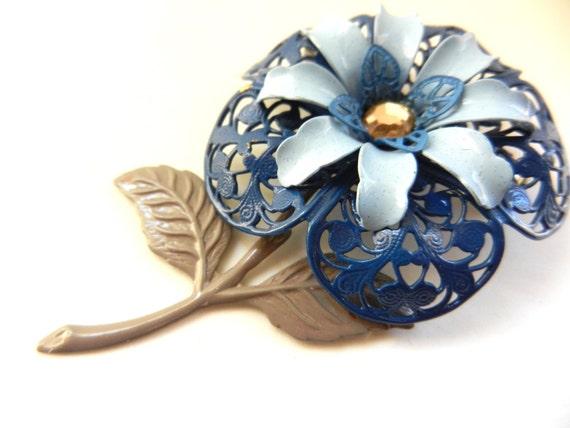 Vintage 1960's blue Enamel Flower Power Brooch - l