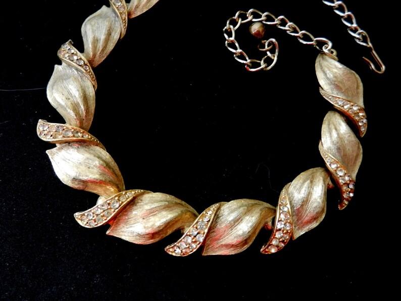 Art.176 ART copyright Signed 1950s Vintage Goldtone /& Pave RHINESTONES Leaf Design Necklace