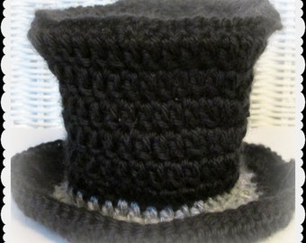 Baby Preemie Top Hat in crochet, Victorian Photo prop, Tiny snowman, Tiny New Year Baby